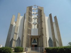 Catedral Diocesana Divino Espírito  Santo de Jataí