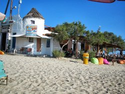 Flisvos Beach Cafe