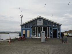 Puffers cafe