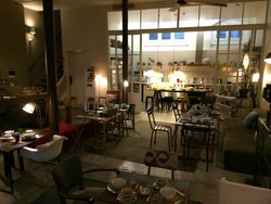 Lounge/reception/breakfast room