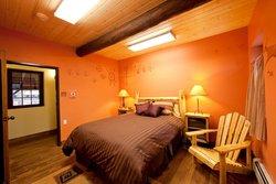 Horseshoe Lodge and Retreat Center