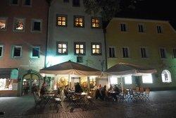 Altstadt Hotel Braeuwirt