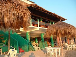 Adauto's Beach Club