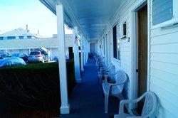 Sun & Surf Motel