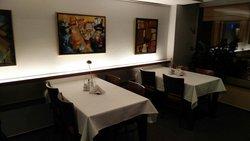 Restaurant 02