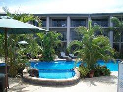 Amanaki Hotel and pool