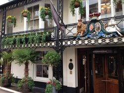 The Foley Arms Hotel - JD Wetherspoon Pub