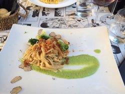 Carbonara with broccoli and truffles.