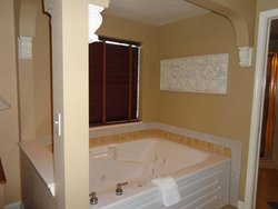 Whirlpool tub Suite
