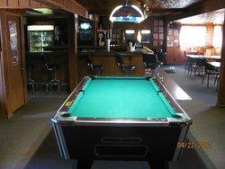 Earle's Inn Pub & Grille