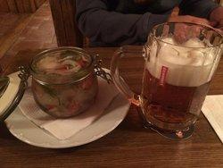 Pivni a vinny senk Zelezna Ruze