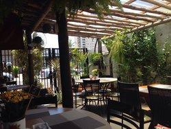 Kaza Flora Cafe