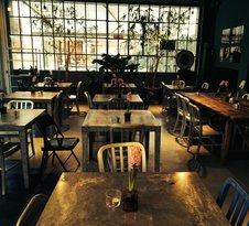 Zan Zara Zan Café