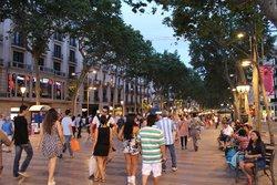 Rambla de Cataluña (Rambla de Catalunya)