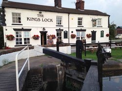 ‪The Kings Lock Inn‬