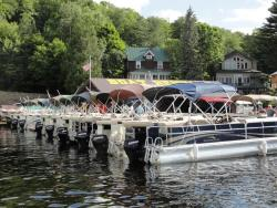 Rivett's Marine - Boat Rentals