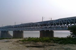 Old Naini Bridge