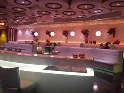 Silhouette Restaurant & Lounge