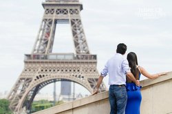 Engagement photo session in Paris with PICmyTRIP Paris