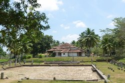 Lovamahapaya Brazen Palace