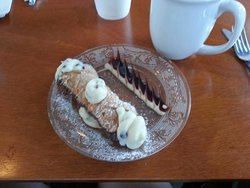 Coffee & a Cannoli the perfect ending!