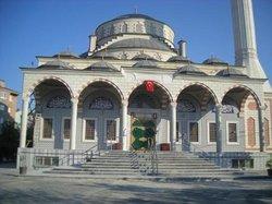 Pınar Camisi
