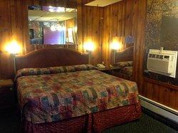 Poplar Motel