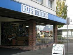 Leafs Treehouse Antiques & Collectables Mall