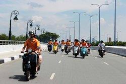 Tur Harian - Vietnam Vespa Adventures