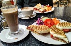 Kozzy Cafe
