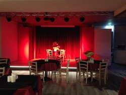 Burlesque Risto Pub