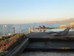 La terraza y piscina del quinto piso