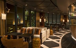 STRATOS- Lounge Bar and Grill