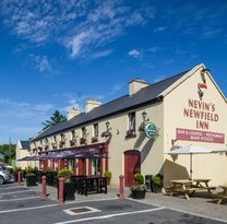 ‪Nevin's Newfield Inn‬