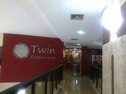 Twin Towers Restaurante