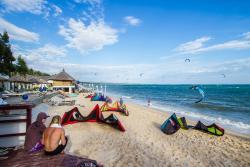 Kite With Me – Kite & Surf School