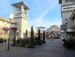 Paragon Outlets Livermore Valley