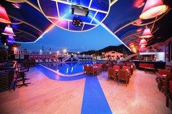 Musti's Royal Plaza