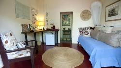 Guest Cottage Living Area (116028104)
