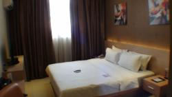 Dela Chambre Hotel