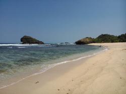 Watu Karung Beach