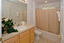 Villa Serenity's Family Bathroom