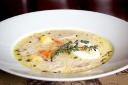 Гастрообеды - Польский журек с белыми колбасками и тимьяном