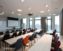 Meeting Room Planten at the Scandic Hamburg Emporio