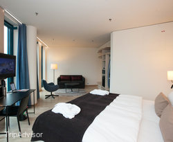 The Superior Extra Room with City View at the Scandic Hamburg Emporio