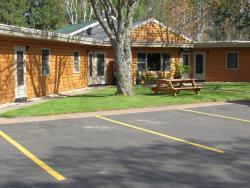 Pinewood Motel
