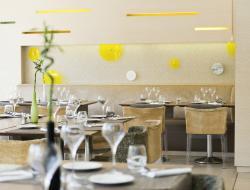 Novotel Café by Fred Ramos