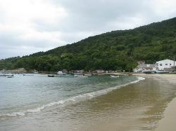 Ganchos do Meio Beach