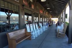Cracker Barrel Old Country Strore Restaurant