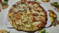 Pizzeria O Vesuvio Di Noto Gennaro